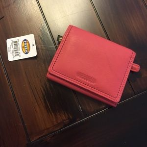 Fossil NWT Megan leather Trifold Wallet in Rose